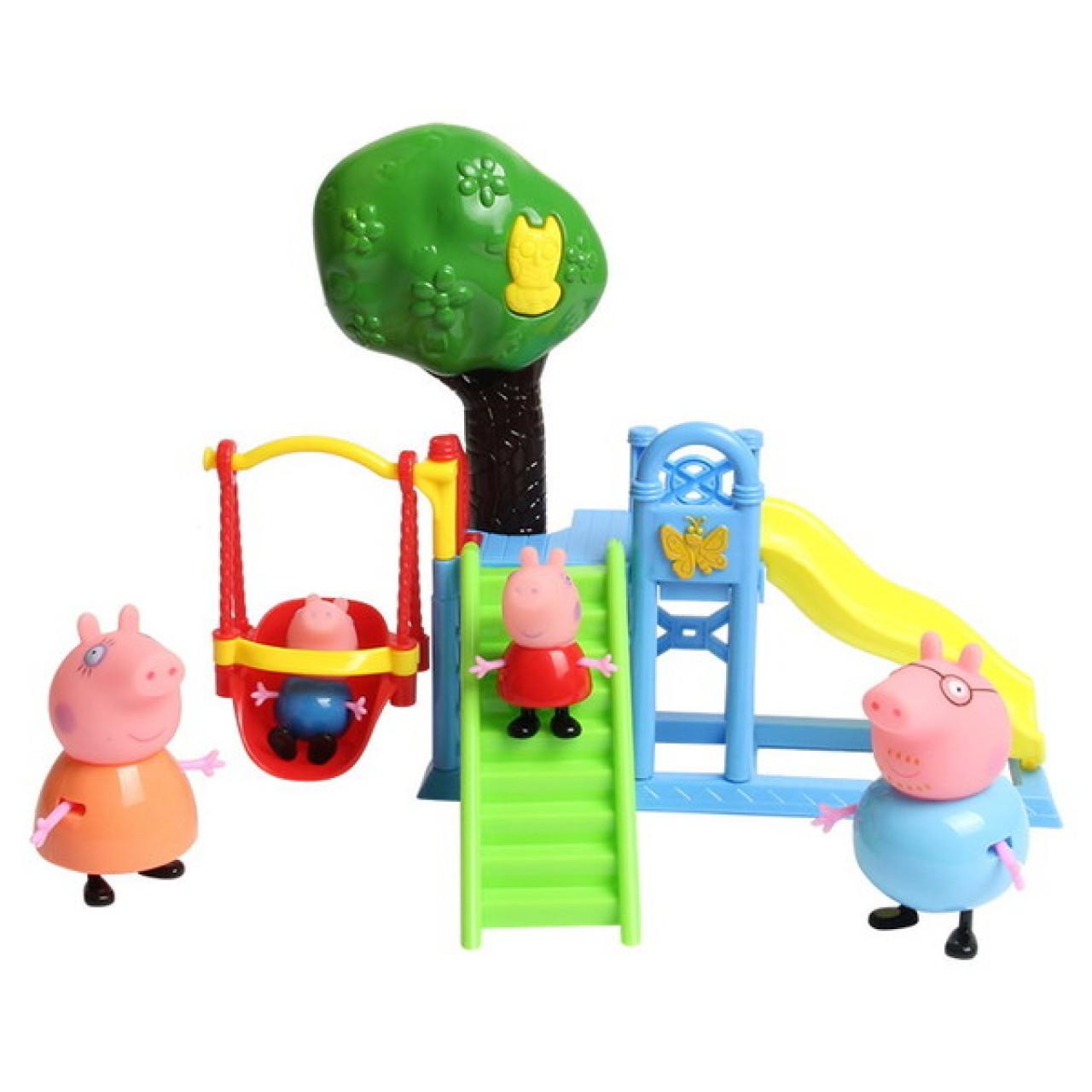 Интерактивный набор Семья Свинки Пеппа на игровой площадке